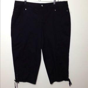 NWT Style&Co black capris tummy control 16w